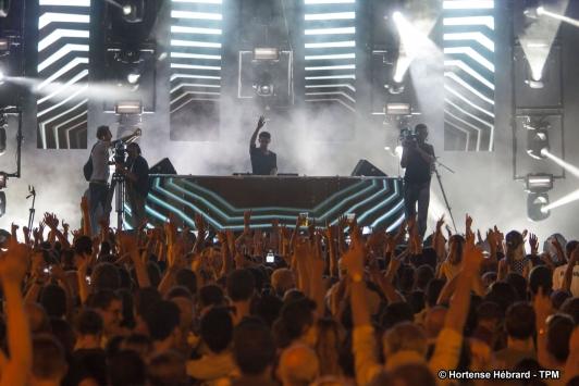 Le DJ Set a été mis en lumières par le toulonnais Bob Mura