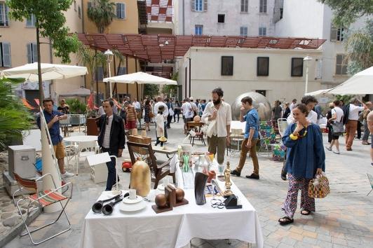 Design Parade Toulon 2017 :  Marché du design vintage Place du Globe © Olivier Pastor