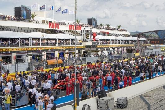 Dernières mises au point et rencontres avec les officiels avant le départ du Grand Prix