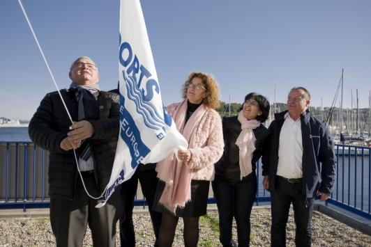 """Inauguration du drapeau """"Ports Propres"""" à Saint-Mandrier"""