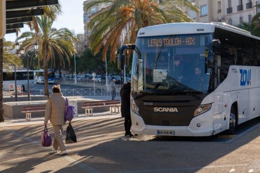Bus Zou ! gare routière de Toulon