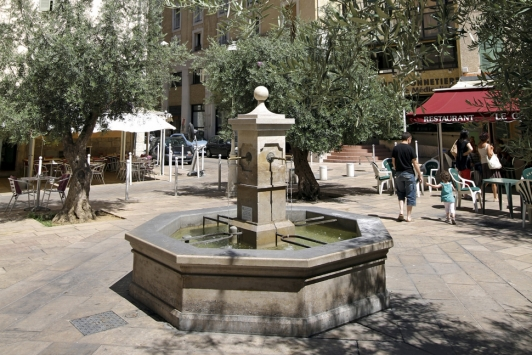 Place de la poissonnerie - Copyright OT Toulon